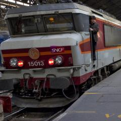 Влак на френските железници | Качено на 05.01.2011 в 00:00 часа | Архив Дир.бг