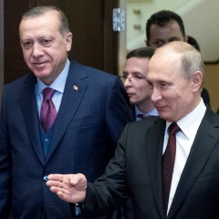 Владимир Путин и Реджеп Еордоган се срещнаха в Соч   Качено на 13.11.2017 в 18:45 часа   БТА