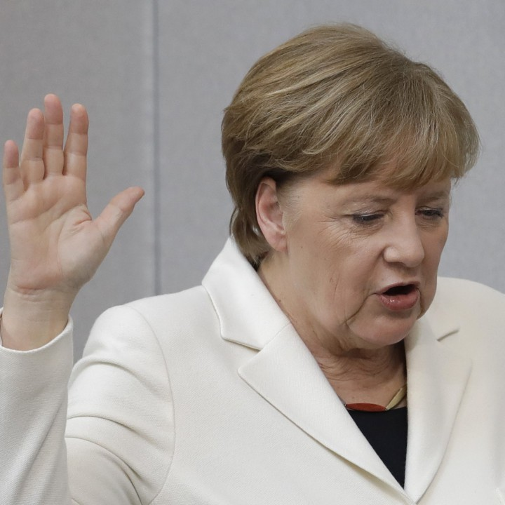 Ангела Меркел полага клетва като канцлер на Германия