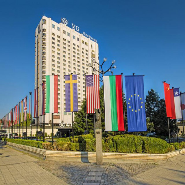 Hotel Marinela Sofia с отличие от World Luxury Hotel